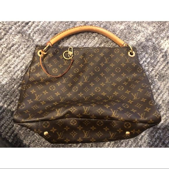 Louis Vuitton Handbags - Louis Vuitton Artsy MM